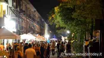 Bancarelle, artigianato e sapori in piazza a Mirano - VeneziaToday