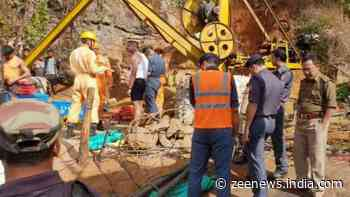 Meghalaya coal mine: Water level recedes by 22 feet, Navy divers search for missing miners