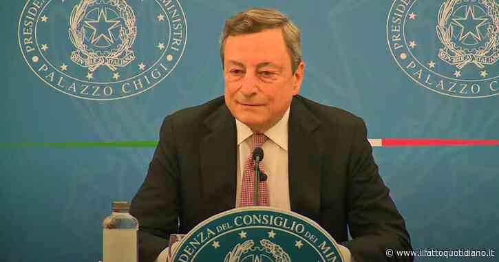 """Vaccini, Draghi: """"L'eterologa funziona, ma chi non vuole è libero di fare il richiamo con AstraZeneca se ha l'ok del medico"""""""