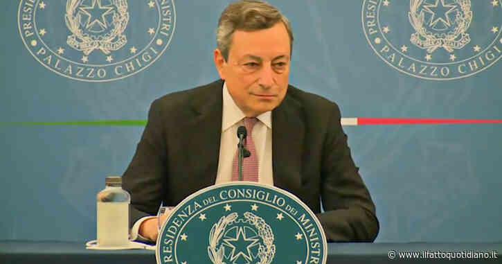 """Draghi: """"Stop mascherine? Bisogna continuare, domani chiedo parere al Cts. Stato d'emergenza non può essere deciso un mese prima"""""""