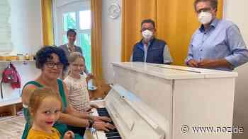 Ein Klavier für die Kleinsten: Bissendorfer AWO beschenkt Kita Zwergenburg Holte - noz.de - Neue Osnabrücker Zeitung