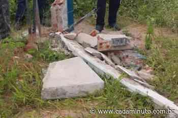 Portal do Sertão em Palmeira é danificado por carro em contramão - Cada Minuto