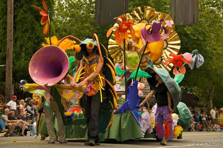 The Best In-Person Things to Do in Seattle This Weekend: Fremont Solstice Arts Week, Triple Door's Return, and More