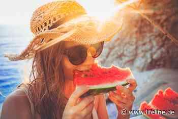 Essen bei Hitze • Lebensmittel, die für Abkühlung sorgen - Lifeline   Das Gesundheitsportal