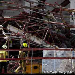 Veel vragen na instorting school in Antwerpen: trok stelling het gebouw mee, of was het omgekeerd?