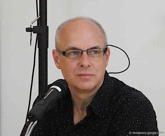 Brian Eno Launches His Own Radio Station with Hundreds of Unreleased Tracks: Hear Two Programs