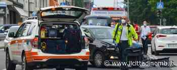 Giussano, paura per un motociclista dopo lo scontro con un'auto - Il Cittadino di Monza e Brianza