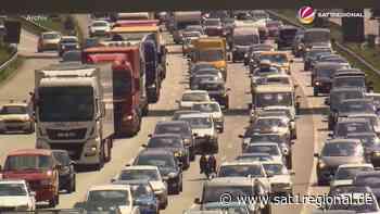 VIDEO | Ferienbeginn im Norden: ADAC warnt vor vollen Autobahnen - SAT.1 REGIONAL - Sat.1 Regional