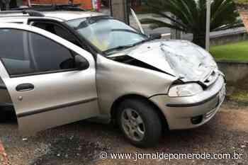 Acidente envolvendo carro e caminhão é registrado no Centro - Jornal de Pomerode