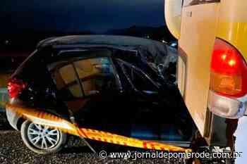 Homem morre prensado entre carro e micro-ônibus no Vale do Itajaí - Jornal de Pomerode
