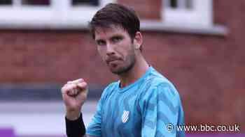 Queen's 2021: Cameron Norrie advances to semi-finals but Dan Evans loses