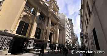 Por las mayores liquidaciones del agro, el Banco Central ya compró US$ 6300 millones en el año - Clarín