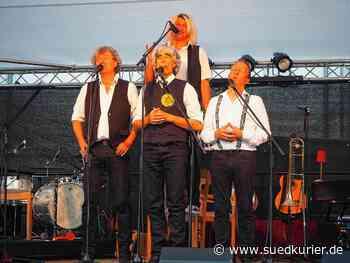 Singen: Wortwitz und Welthits auf Schwäbisch. So war der Abend mit der Zupfkapelle - SÜDKURIER Online