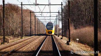 Geen treinen tussen Eindhoven en Venlo door aanrijding in Helmond - DMG Deurne