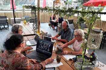 Vlaams Belang volgt Deurnse districtsraad vanop terras (Deurne) - Gazet van Antwerpen