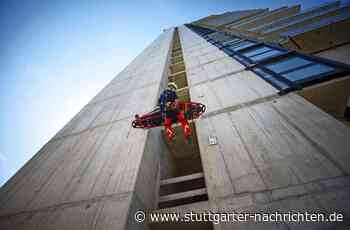 Übung am Schwabenlandtower Fellbach - Retter in schwindelnder Höhe - Stuttgarter Nachrichten