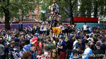 Euro 2020: Excitement builds ahead of England-Scotland kick-off as Tartan Army party in London - Sky News