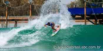 Filipe Toledo brilha no primeiro dia de competições no Surf Ranch - Agência Brasil