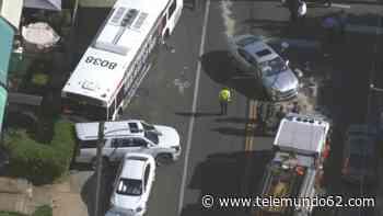 Fuerte impacto: accidente de autobús SEPTA deja varios heridos - Telemundo 62