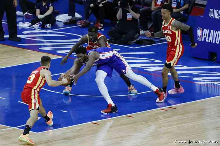 Atlanta remonta a Filadelfia en trepidante juego de la NBA - La Jornada