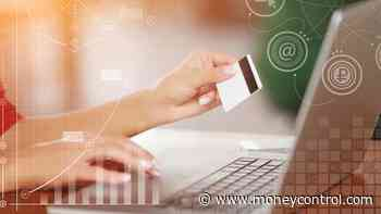 SBI cautions customers against #39;Free Gift#39; online fraud