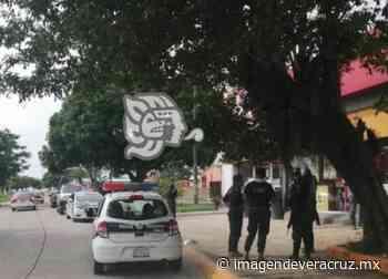 Dos sujetos asaltan OXXO en Nanchital; le roban moto a cliente - Imagen de Veracruz