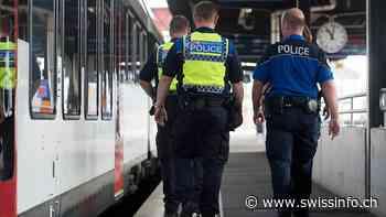 SO: treno sfollato per allarme bomba, un arresto - swissinfo.ch