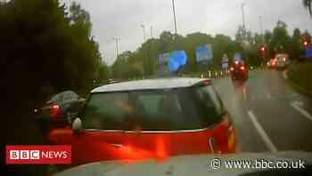 M27 police pursuit: Speeding car caught on camera