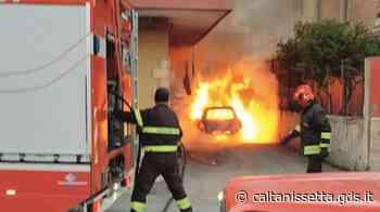 Auto incendiata a un avvocato di Caltanissetta, scattano quattro arresti - Giornale di Sicilia