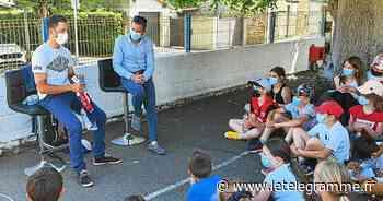 Le coureur cycliste Julien Simon reçu à l'école Saint-Aubin - Le Télégramme