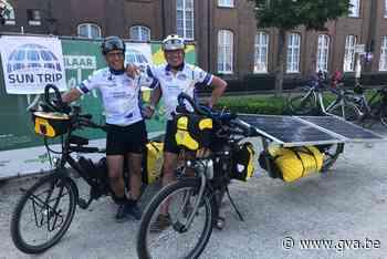 Duo fietst dwars door Europa op fiets met zonnepanelen - Gazet van Antwerpen