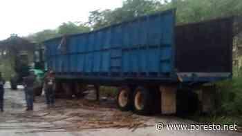 Se vuelca camión cañero en carretera Ucum-La Unión, Chetumal - PorEsto