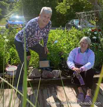 Three friends use garden plot to honour their mothers - Lakeshore Advance