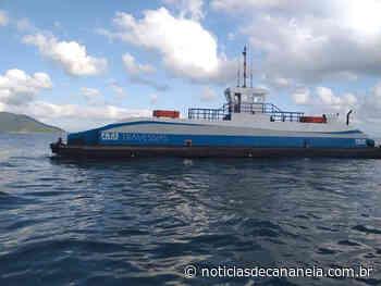 Ferry Boat que faz travessia de Ilha Comprida á Cananeia se choca com barco pequeno, e não presta socorro... - Noticia de Cananéia