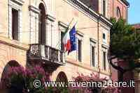 Una panchina viola a Castel Bolognese - Ravenna24ore