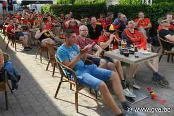 Terras vol supporters bij De Rijkswacht (Hoogstraten) - Gazet van Antwerpen