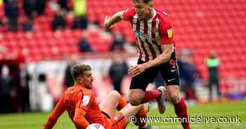 Kevin Phillips questions Sunderland's contract stand off with Charlie Wyke