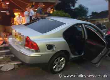 Four injured after car crashes into Gigmill pub in Stourbridge - Dudley News