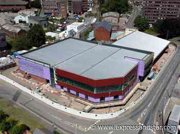 Solar panels on roof of new Dudley leisure centre will save thousands - expressandstar.com