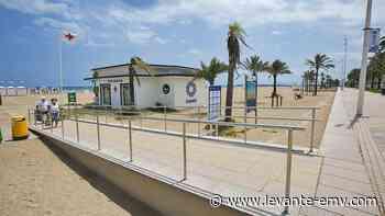 Gandia mejora a lo largo de la playa la accesibilidad a los puntos de baño adaptado - Levante-EMV