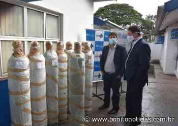 FIEMS doa cilindros de oxigênio à Sesau - Bonito Notícias