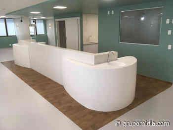 Peças produzidas em Durasein utilizadas no Hospital Anchieta proporcionam curvas e formas únicas no design hospitalar. - Healthcare Management - Grupo Mídia