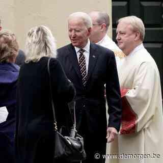 Katholieke geestelijken willen president Biden vanwege zijn visie op abortus uitsluiten van communieplechtigheid