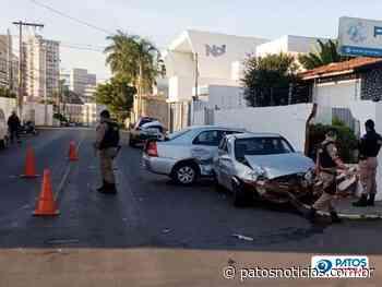 Motorista inabilitado avança parada obrigatória e provoca acidente no Bairro Sobradinho - Patos Notícias