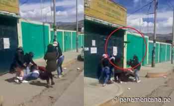 Huaraz: mujeres se enfrentan a escobazos por disputa de clientes - Panamericana Televisión