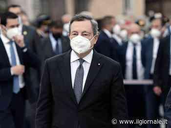"""Il vaccino di Draghi: """"Libertà per i richiami con AstraZeneca. Io farò il mix, funziona"""". È il D-day mascherine."""