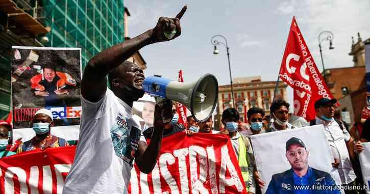 """Roma, in centinaia in piazza per ricordare il sindacalista ucciso da un camion a Novara. """"Adil assassinato per il prodotto"""""""