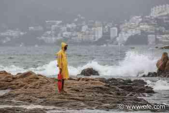 La tormenta Dolores se intensifica en las costas mexicanas de Michoacán - EFE - Noticias
