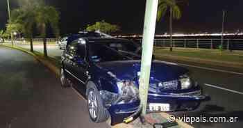 Accidente vial en la Costanera de Posadas - Vía País