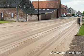Verschillende straten afgesloten door modderstromen (Lennik) - Het Nieuwsblad